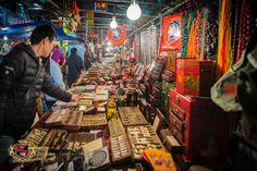 One of the many stalls at the Hong Kong Jade Market. Hong Kong Travelgraphy by Amin Chong on 500px
