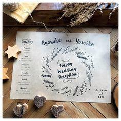 ランチョンマットを結婚式のメニュー表にするデザインまとめ | marry[マリー] Wedding Menu, Wedding Paper, Wedding Themes, Wedding Table, Wedding Cards, Diy Wedding, Wedding Reception, Lettering Design, Hand Lettering