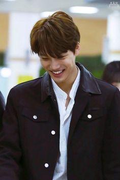Konstelasi (Hug Me) Baekhyun Chanyeol, Exo Kai, Luhan And Kris, Chen, Dancing King, Kim Minseok, Xiu Min, Kaisoo, Exo Members