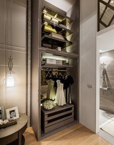 Mirrored | Aura Lifestyle T House