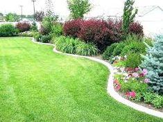 55 Beautiful Backyard Landscaping Along Fence Decoration Ideas - Home & Garden Lawn Edging, Garden Edging, Lawn And Garden, Fence Garden, Border Garden, Garden Beds, Easy Garden, Yard Fencing, Diy Fence