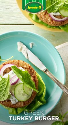 This feta-filled Greek turkey burger with cucumber sauce provides a tangy twist on the grill. Greek Burger, Greek Turkey Burgers, Turkey Burger Recipes, Lamb Burgers, Keto Foods, Health Foods, Keto Recipes, Jennie O Turkey, Creamed Cucumbers