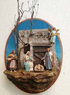 Christmas Nativity Scene, Christmas Carol, Vintage Christmas, Christmas Crib Ideas, Christmas Crafts, Christmas Ornaments, Diorama, Nativity Stable, Clay Roof Tiles