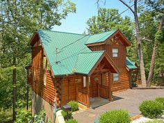 Pigeon Forge, TN: This beautifully decorated cabin is very convenient to downtown Pigeon Forge. Great location just a few minutes from Gatlinburg, Dollywood, and Pigeon...