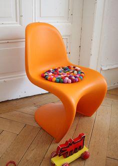 """Felt ball cushion--use with the """"DIY billy balls"""" tutorial...saweet"""