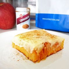 Fitness jablečný kremšnit zdravý recept Bajola Cornbread, Banana Bread, Cinnamon, Ethnic Recipes, Desserts, Fitness, Food, Diet, Millet Bread