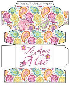 http://fazendoanossafesta.com.br/2012/04/te-amo-mae-kit-completo-com-molduras-para-convites-rotulos-para-guloseimas-lembrancinhas-e-imagens.html/