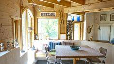 LUNT: Naturmaterialer skaper en lun og hyggelig stemning. Kjøkkener er en yndet samlingsplass.