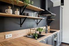 LIROWA - Średnia zamknięta kuchnia w kształcie litery l w aneksie, styl industrialny - zdjęcie od PRACOWNIE WNĘTRZ KODO