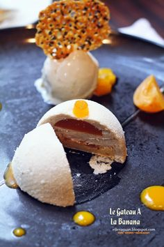 Cuisine Paradise | Singapore Food Blog | Recipes, Reviews And Travel: Brasserie Les Saveurs @ The St Regis, Singapore -  Le Gâteau À La Banane which is a sponge-like banana mousse cake that filled with apricot compote and it goes well with the banana and ginger ice-cream.