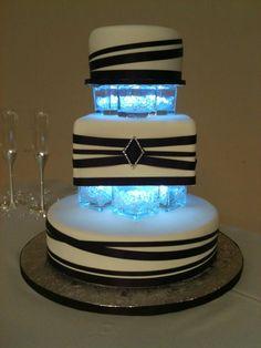 Beautiful wedding cake by Jen http://www.simplysweetsbyjen.com