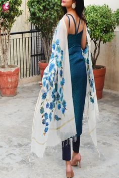 Shop Off White Chanderi Teal Green Floral Hand painted Stole - Stoles Online in India Simple Kurti Designs, Kurta Designs Women, Dress Indian Style, Indian Dresses, Indian Outfits Modern, Cute Red Dresses, Indian Designer Suits, Kurti Designs Party Wear, Designs For Dresses