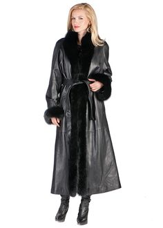 This fox frimmed coat with luxurious black fox cascading down the front of this fine leather coat, with neatly tailored leather cuffs, , is the perfect solution Long Leather Coat, Leather Trench Coat, Leather Jacket, Trent Coat, Fur Trim Coat, Blonde Fashion, Leder Outfits, Cute Coats, Blue Ripped Jeans