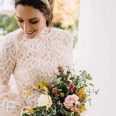 Un adelanto de mi último editorial de novia, ya embarazadísima! Me despido a lo grande hasta que tenga a la bebé!👋🏼👰🏼 Gracias a todos mis colaboradores🇦🇷por hacerlo posible (y así de bonito!)🔜🔜🔜 〰Fotografo: @jeresantochi 〰Vestido: @claudiarevigliono 〰Lugar: @puebloestancialapaz 〰 Beauty: @marcenadaya 〰Ramo: @milmagnolias 〰Corona: @juulividal 〰Manicure: @the.nailroom  #boda #novia #argentina #wedding #weddinggown #bride #shooting #shootingmisscavallier #ramo #vestidodenovia…