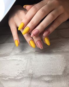 Cute and Pretty Nail Art Designs for Summer - Page 14 of 20 - Fashion Matte Nail Art, Cute Acrylic Nails, Hair And Nails, My Nails, Nail Art Designs, Almond Nails Designs, Pretty Nail Art, Yellow Nails, Nagel Gel