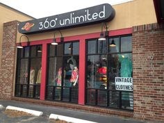 360 Unlimited is just one of Dixieland in Lakeland's eclectic shops featuring vintage and retro items.