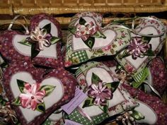 Szalagcsodák Gift Wrapping, Blog, Gifts, Gift Wrapping Paper, Presents, Wrapping Gifts, Gift Packaging, Gifs, Wrapping