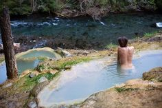 Umpqua Hot Springs Trail is a Hiking Area in Idleyld Park. Plan your road trip to Umpqua Hot Springs Trail in OR with Roadtrippers. Hiking Places, Places To Travel, Places To See, Vacation Trips, Vacation Spots, Vacations, A Pll, Umpqua Hot Springs, Outdoor Baths