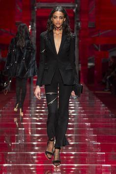 Look 36 - #Versace Women's Fall/Winter 2015 fashion show. #VersaceWomenswear #GREEK