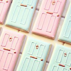 Shut the front door cookies - house warming inspiration
