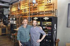 Verwenden nur die besten Zutaten: Axel Ohm (links) und Küchenleiter Mario Kayser. Im Alten Mädchen finden bis zu 140 Gäste Platz. Das Braugasthaus wurde 2013 in den Schanzenhöfen eröffnet