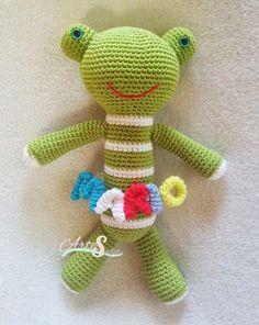 peluche rana verde personalizado,  amigurumi rana, tejido por artesesa