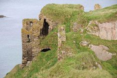A castle right on the coast: Findlater Castle, near Cullen, Aberdeenshire. Beautiful Castles, Beautiful Places, Castle Parts, Mary Queen Of Scots, Scottish Castles, Cathedral Church, Scotland, To Go, Coast