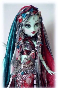 OOAK Monster high doll Custom HAREM Queen by Cindy Frankiestein monster high #OOAKMonsterhighdoll