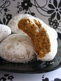 German Pfeffernusse cookies but without the powder suger, they are good on their own. German Pfeffernusse cookies but without the powder suger, they are good on their own. German Christmas Cookies, German Cookies, Xmas Cookies, Owl Cookies, Cookie Desserts, Just Desserts, Cookie Recipes, Dessert Recipes, Icing Recipes