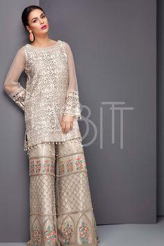 Pakistani Fashion Party Wear, Pakistani Wedding Outfits, Pakistani Dress Design, Pakistani Dresses, Indian Dresses, Indian Outfits, Indian Fashion, Lovely Dresses, Stylish Dresses