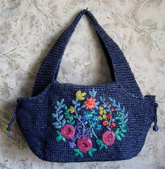 76225708_large_IMG_0830.JPG (684×700)..bags tejida y bordada con cintas