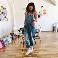 This is Jane Wayne showing us how easy peasy it is to wear denim dungarees. We're fans!