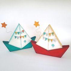 Χειροποίητο γόυρι καραβάκι ζωγραφισμένο με «2019 Ευχές» για το Νέο Έτος και διακοσμητικό ξύλινο αστεράκι . Christmas Home, Christmas Holidays, Diy And Crafts, Christmas Crafts, Framed Pictures, Decoupage Ideas, Lucky Charm, Ribbons, Picture Frames