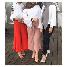 "2,859 Likes, 12 Comments - Ziya Zaren Magazine (@hijabstyle_lookbook) on Instagram: ""Beautiful ladies @nawalsari @dianahaydar @sarahjordan.bazzi ❤️❤️❤️❤️❤️ #hijab #modesty #model…"""
