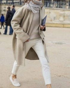 For a smart ensemble, rock a beige coat with white skinny pants — these items work pretty good together. Beige suede loafers will be a stylish companion to your outfit. Fashion Gone Rouge, Fashion Mode, Trendy Fashion, Winter Fashion, Fashion Trends, Paris Fashion, 60 Fashion, Normcore Fashion, Classic Fashion