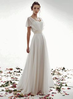 So beautiful! This is why I love everything to do with weddings!  #pinterest.com/savoirclaireME  Are you seeking officiating services? Contact me! #savoirclaire.com