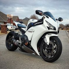 Honda CBR Not my style in general.  But this one is nice.  Don't know why.