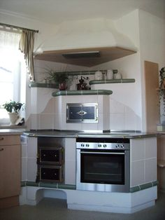 Timeless tiled stoves - KVK - The tiled stove Source by Küchen Design, House Design, Drawing Room Furniture, Small Tiny House, Vintage Stoves, Rustic Kitchen Design, Old Kitchen, Four, Apartment Design