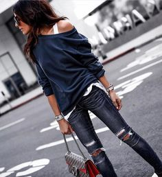 "452 Gostos, 22 Comentários - Fashion Confession (@my.fashion.confession) no Instagram: ""Inspo @platinum__lifestyle_ #jeans #rippedjeans #shoes #sandals #leatherjeans #bag #smallbag…"""