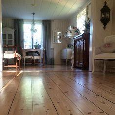 Shabby and Charme: Atmosfere d'altri tempi per una bella casa svedese...
