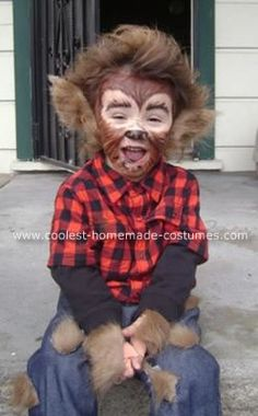 great idea for ears Homemade Classic Werewolf Costume: This Homemade Classic Warewolf Costume was made for my 2 yr old son Dillon, it was a last minute idea which seemed to work perfect for my lil'guy. Homemade Costumes, Homemade Halloween, Halloween Kostüm, Holidays Halloween, Halloween Costumes For Kids, Group Halloween, Wolf Halloween Costume, Halloween Couples, Vintage Halloween