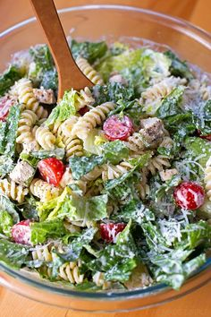 Caesar Pasta Salad - Life Made Simple This tangy, creamy chicken Caesar salad is perfect for summer! It's light, flavorful and filling.This tangy, creamy chicken Caesar salad is perfect for summer! It's light, flavorful and filling. Potluck Recipes, Pasta Recipes, New Recipes, Cooking Recipes, Healthy Recipes, Potluck Ideas, Bacon Recipes, Recipe Pasta, Cooking Pasta