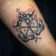 What does chi rho tattoo mean? We have chi rho tattoo ideas, designs, symbolism and we explain the meaning behind the tattoo. Maori Tattoos, Body Art Tattoos, Small Tattoos, Tatoos, Cross Tattoos, Tattoo Art, Alpha Omega Tattoo, Chi Rho Tattoo, Cross Tattoo Designs