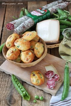 Madeleines rustiche ai piselli, pecorino e Salsiccia Passita Clai