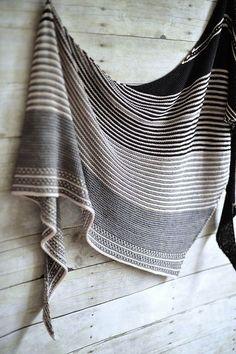 Joli shawl à rayures irrégulières