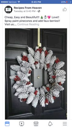 DIY door wreath made from pine cones. Beautiful decoration ideas with pine cones. – DIY craft ideas (Diy Wreath) The post Door wreath made of pine cones easy to make most beautiful deco ideas with pine cones. appeared first on Woman Casual. Pine Cone Crafts, Christmas Projects, Holiday Crafts, Noel Christmas, Christmas Ornaments, Primitive Christmas, Country Christmas, Pinecone Christmas Crafts, Christmas Pine Cones