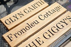 Solid-Oak-Personalised-Wood-Sign-Carved-House-Name-Gate-sign-great-as-present