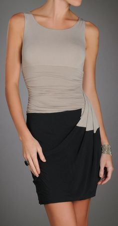 Nude and black... so chic
