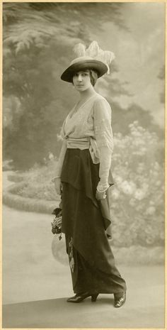 stylish young lady, 1913-17