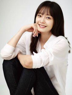 Jeon So-min offered tvN prison medical revenge drama Cross: God's Gift Sexy Asian Girls, Beautiful Asian Girls, Jun So Min, Ji Hyo Song, Running Man Korean, Pose Reference Photo, Cute Korean Girl, Asian Celebrities, Korean Actresses
